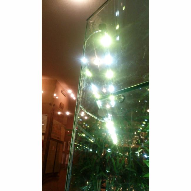 УФ крепление пятаков / подсветка витрины